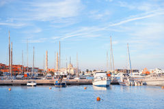 Yacht attraccato al bacino Fotografia Stock Libera da Diritti