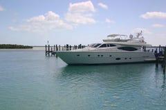 Yacht au dock Photos libres de droits