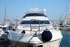 yacht avant de partie Image stock