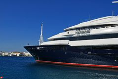 YACHT. BIG YACHT TO MYKONOS PORT GREECE Royalty Free Stock Images