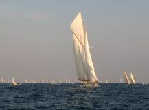 Yacht classique de navigation Photographie stock libre de droits