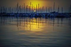 Yacht club da noite imagens de stock royalty free