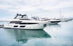 Yacht club do mar fotografia de stock