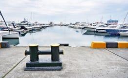 Yacht club do mar fotos de stock