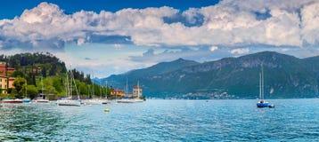 Yacht club nella città di Limonta in lago Lecco Fotografia Stock