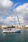 Yacht dans le port de Hersonissos Image libre de droits