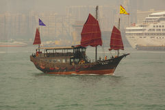 Yacht de chinois traditionnel Photographie stock libre de droits