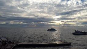 Yacht de ` dans le ` de port Photos libres de droits