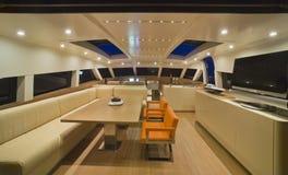 yacht de luxe 80 continentaux, dinette Photos libres de droits