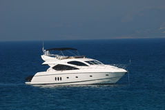 Yacht de luxe blanc Image stock