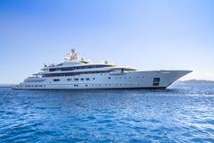 Yacht de luxe en mer photos libres de droits