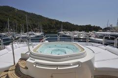 Yacht de méga de jacuzzi Photos stock