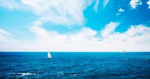 Yacht de navigation en Croatie MER ADRIATIQUE photos libres de droits