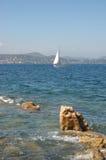 Yacht de rue Tropez Images stock