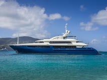 Yacht dello statuto nei Caraibi Immagini Stock