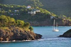 Yacht in der Bucht Lizenzfreies Stockbild