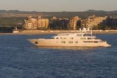 Yacht di lusso ad alba Fotografie Stock