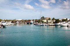 Yacht di lusso al giorno di estate immagine stock