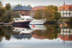 Yacht di lusso al porticciolo Immagini Stock