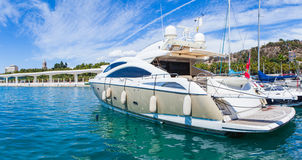 Yacht di lusso al porto Fotografia Stock