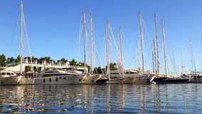 Yacht di lusso attraccati archivi video