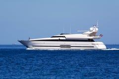 Yacht di lusso del motore immagini stock
