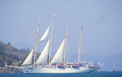 Yacht di lusso di navigazione Fotografia Stock