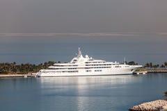 Yacht di lusso nel Dubai fotografie stock libere da diritti