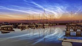 Yacht di lusso nel porto marittimo di Tallinn fotografia stock libera da diritti