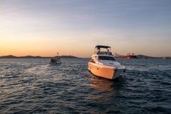 Yacht di lusso nel Todos los Santos Bay in Salvador de Bahia Fotografia Stock Libera da Diritti