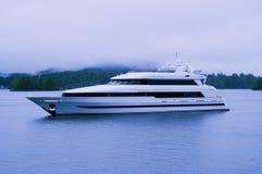 Yacht di lusso nella riserva di biosfera dell'Unesco immagine stock libera da diritti