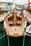 Yacht di lusso in Port Le Vieux Cannes, France fotografia stock