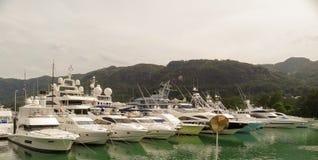 Yacht di lusso in porticciolo di Eden Island Fotografia Stock