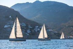 Yacht di lusso a regata della vela Fotografia Stock
