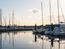 Yacht di mattina con la vista del mare Immagini Stock