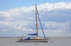 Yacht di navigazione Fotografie Stock