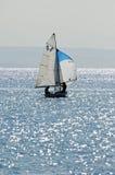 Yacht di navigazione Fotografia Stock Libera da Diritti