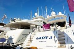 Yacht di Overmarine Mangusta 108 all'esposizione 2012 dell'yacht Immagini Stock