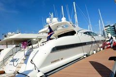 Yacht di Overmarine Mangusta 108 all'esposizione 2012 dell'yacht Fotografie Stock Libere da Diritti