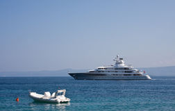 Yacht e barca Immagini Stock