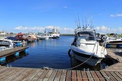 Yacht e navi al pilastro fotografie stock libere da diritti