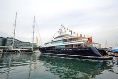 Yacht eccellente di Burgess Cloud 9 che fa il suo debutto asiatico durante la manifestazione dell'yacht di Singapore ad un grado 1 Fotografia Stock Libera da Diritti