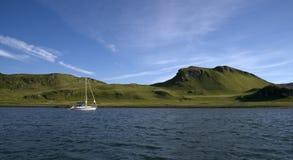 Yacht en Ecosse Photographie stock libre de droits