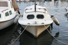 Yacht en mer Photographie stock libre de droits