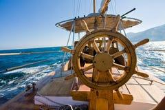 yacht för resastyrningshjul Royaltyfri Fotografi