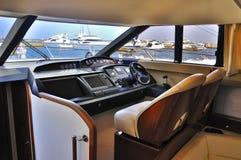 Yacht för styrningshjul Arkivfoto