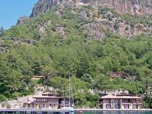 Yacht festgemacht auf einem Pier Ekincik touristisch vom Mittelmeer Das Türkische Riviera Yacht-Charter Rest auf einem Wasser Fei lizenzfreies stockfoto