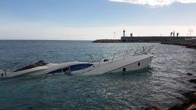 Yacht Halb-gesunken stock video footage