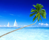 Yacht-Himmel-Ferien-Freizeit-Feiertags-Strand-Konzept Lizenzfreies Stockbild