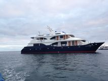 Yacht i Galapagosen Royaltyfria Foton